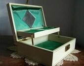 Vintage Cream Mele Jewelry Box