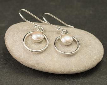 Pearl Earrings- Silver Ivory Pearl Earrings- Pearl Dangle Earrings- Silver Earrings with freshwater pearls- June birthstone