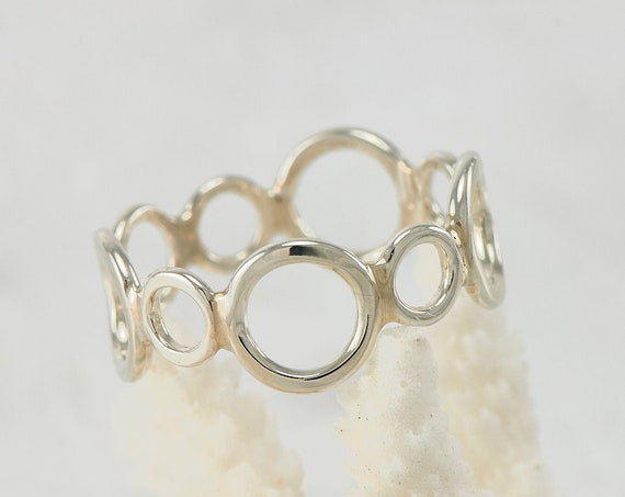 Handmade Sterling Silver Ring -Silver Circles Ring- Circle Ring Band- Modern Silver Jewelry