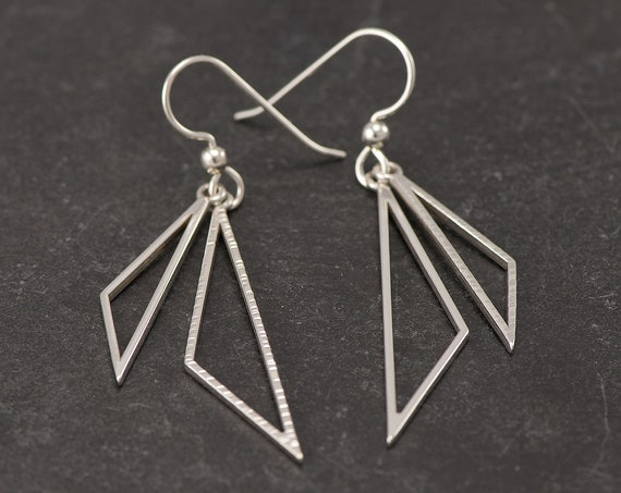Silver Triangle Earrings- Sterling Silver Triangle Earrings- Silver Dangle Earrings- Sterling Silver Geometric Earrings- Hammered Earrings