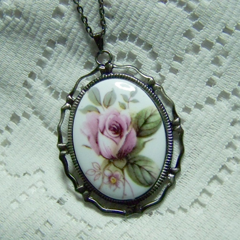 Lavender Rose Necklace Neo Victorian Jewelry Mauve Rose Radiant Orchid Rose shades of Purple Rose Cameo Pendant Amethyst Orchid