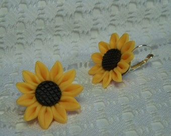 Large Sunflower Earrings, Sunflower Lever Back Earrings, Giant Yellow Sunflower Earrings, Sunflower Jewelry, Gardener Gift, Yellow & Brown