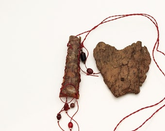 Tree Bark Pouch Amulet Necklace, Medicine Bag, Juniper Bark, Natural Tree Jewelry, Red, Boho Style
