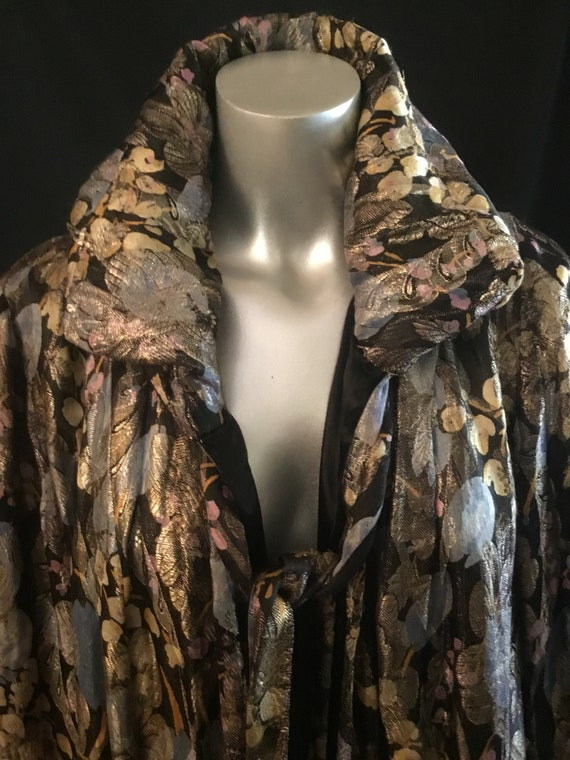 Rare 1920's  Lame Coat Floral Motiff Rouched Colla