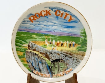 Vintage Rock City Lookout Mountain, TN Plate w/ Stand