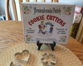 Antique Style Pennsylvania Dutch 6 Pc Tin Cookie Cutter Set