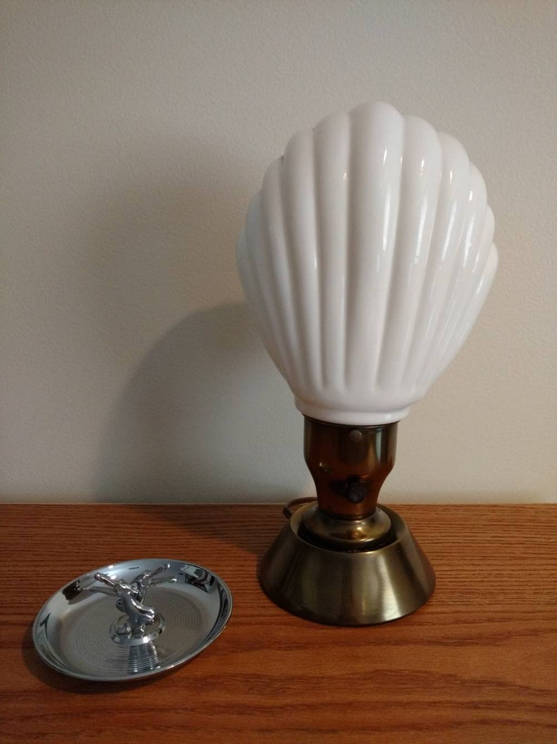 Deco Glass Clam Shell UL Listed Portable TV Tableside Lamp image 0