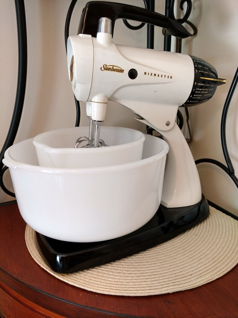Sunbeam White 1950s Model 12 Speed Stand Mixmaster with image 0
