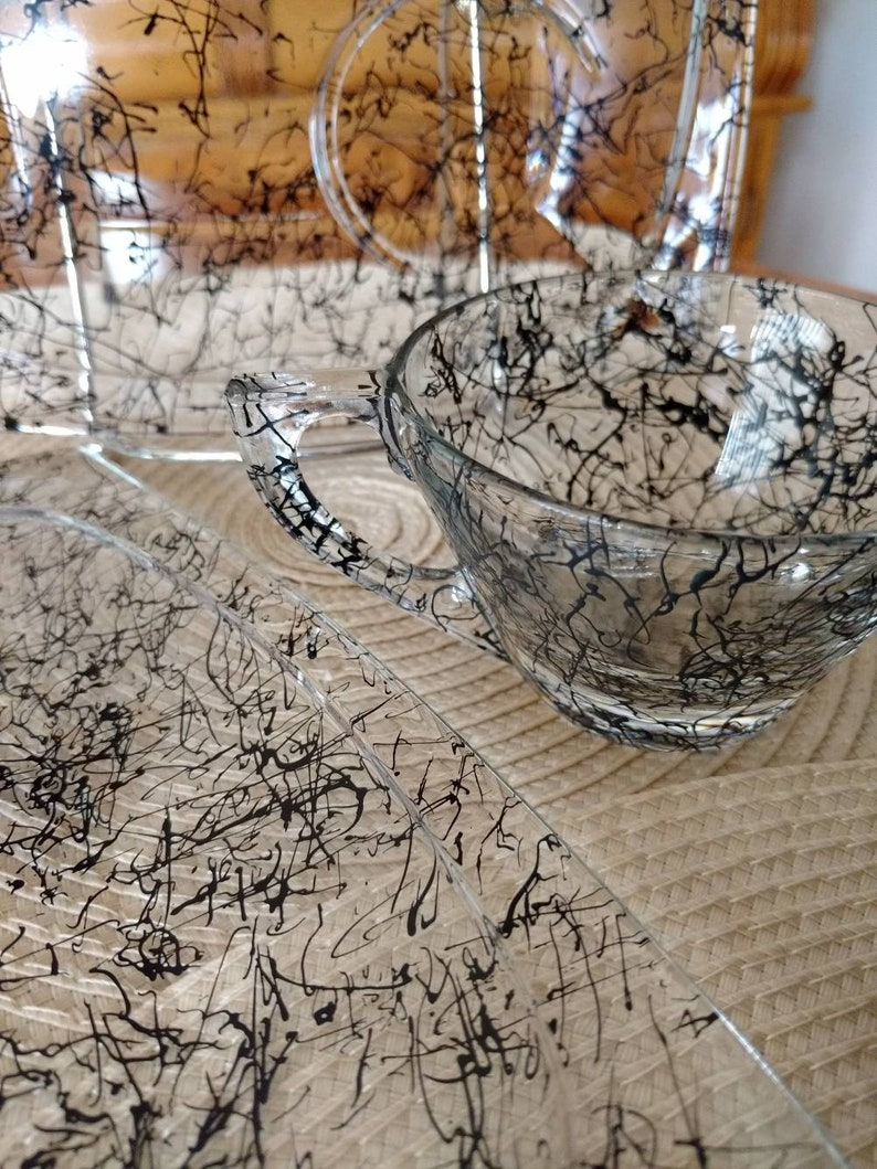 Hazel Atlas Simplicity Black Drizzle 14 pc Cup and Snack Plate image 0
