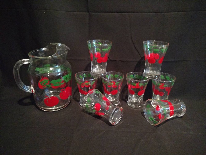 Vtg Tomato Leaf 9 Pc Pitcher and Flared Juice Glass Set image 0