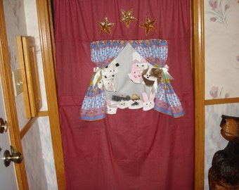Doorway Puppet Theater Stage performance classroom aid fun at home  back yard perform pretend