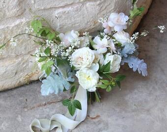 Bridal White and Ivory Loose Silk Flower Wedding Bouquet | Garden Style Bridal Bouquet | SG-1043