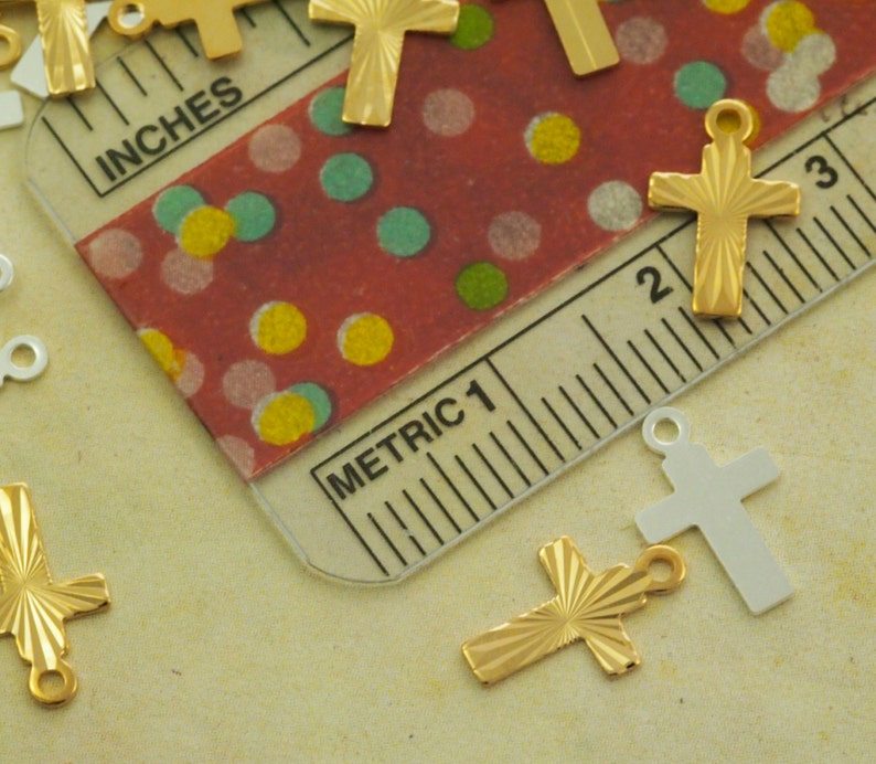 9mm X 7mm 15 Gold or Silver Plated Cross Charms 100/% Guarantee