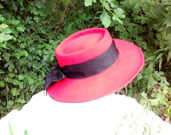 2f7145f5e09bd hats   womens   90s vintage   red felt   grosgrain ribbon   21.5    savannahwillow