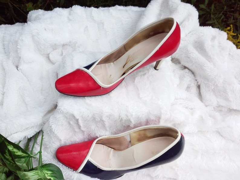 64d5e1023 Shoes   50s vintage   tri color hi heel pumps  7.5