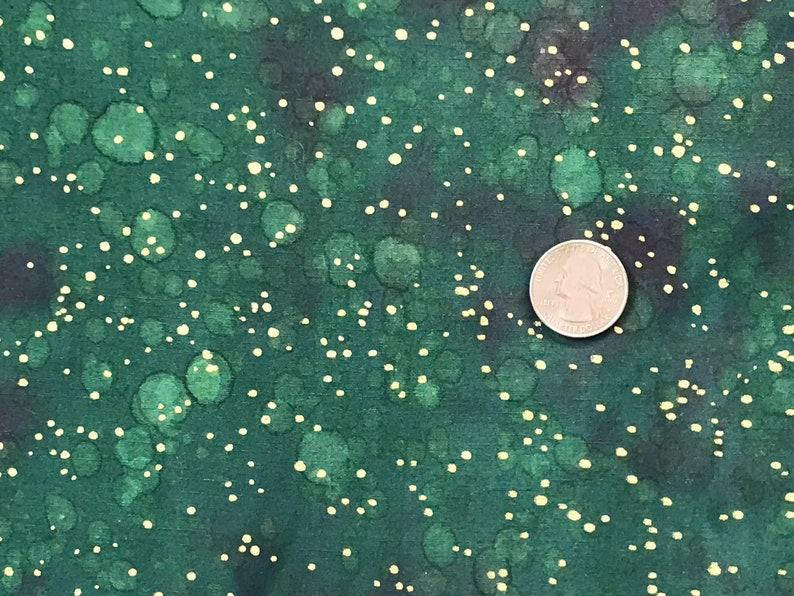 Batik Quilt Fabric Green /& Metallic 32 x 29.5