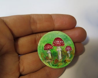 dollhouse original miniature  round, Unfraimed mini painting, Original Miniature Painting, Miniature Fly Agaric, Dollhouse amanita painting