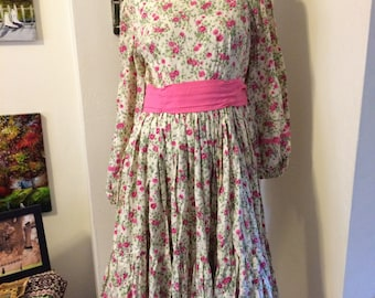 896124bd86cd SALE Vintage 70s Prairie Boho Peasant Tea Length Full Sweep Skirt Pink  Floral Cotton Dress Size Small