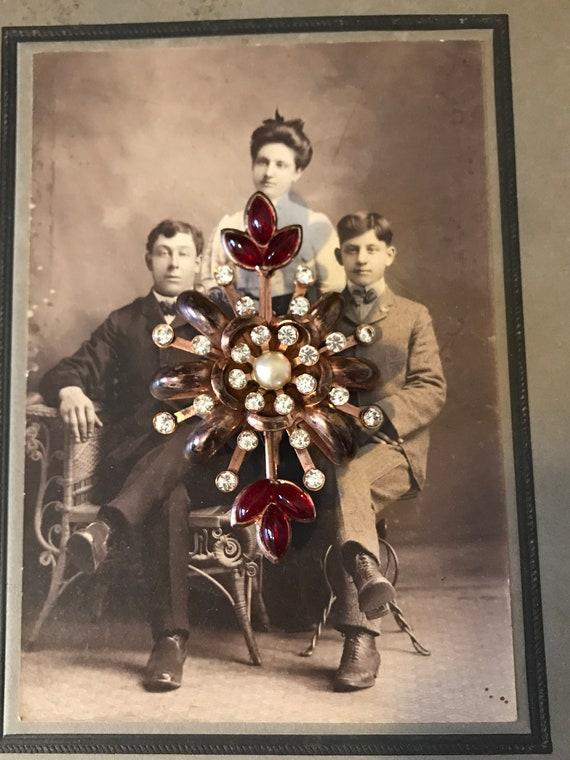 Vintage 40s  Ladies Ornate Red Rhinestones Pearl … - image 5