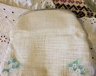 Vintage 60s White Linen Blue Floral Fold Over Clutch Bridal Bag Ladies Clutch Evening Bag