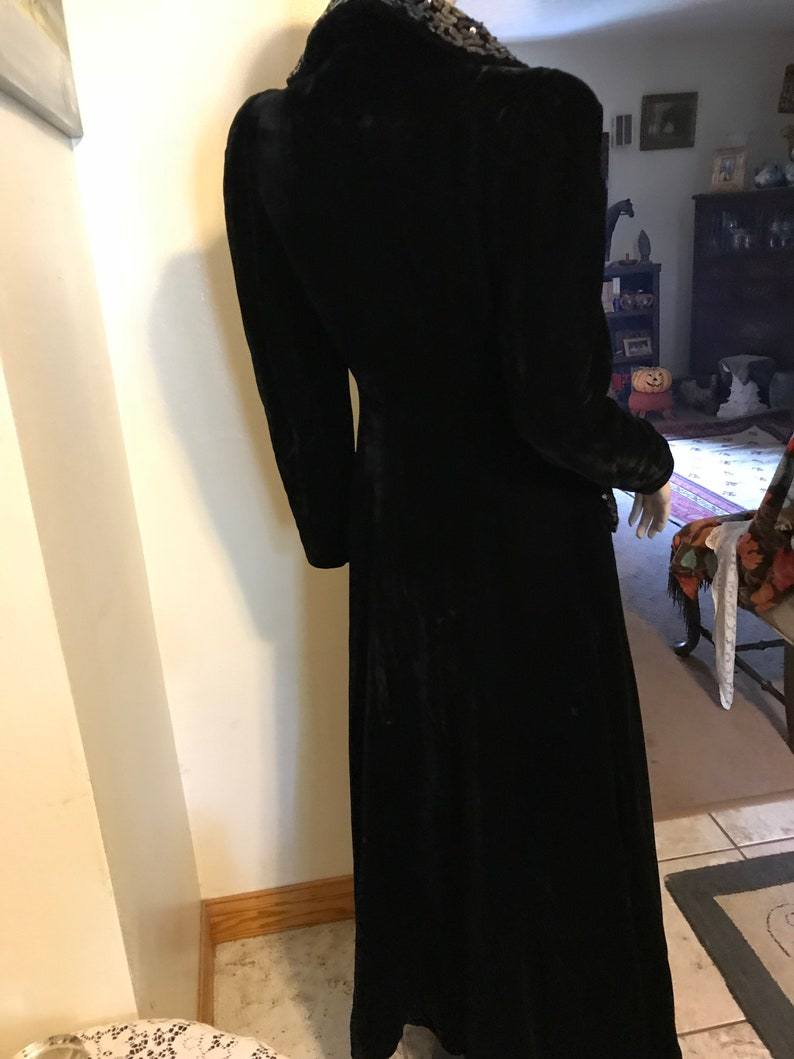 Vintage 20s Antique Luxury High End Black Velvet Sequin Embellished Ladies Holiday Opera  Coat  Hostess Robe Gift for Her Size Small