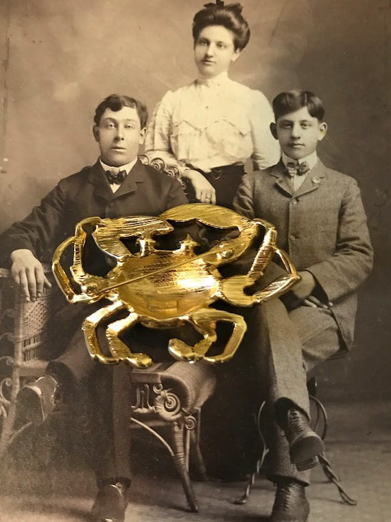 Vintage Gold Tone Red Enamel Rhinestones Trifari … - image 2