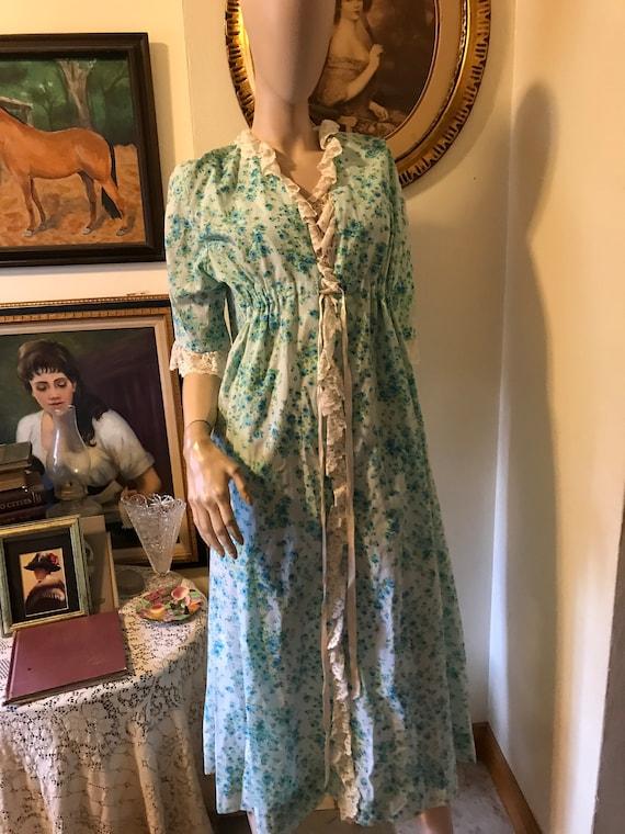 Vintage 60s Blue Green Romantic Floral Cotton Lace