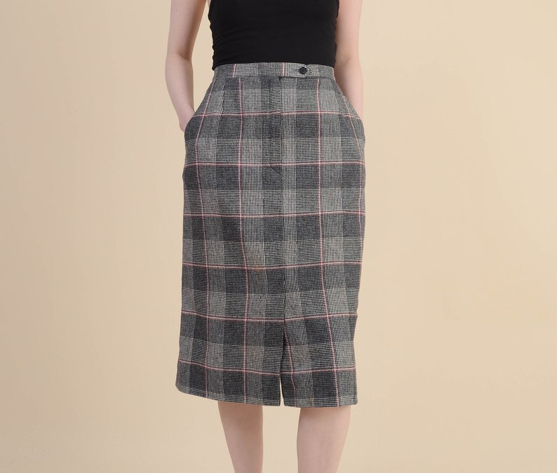 Wool Blend High Waist Pencil Skirt with Pockets Gray Black Red Vintage 70s Checkered Plaid Pencil Skirt size S M 6 8
