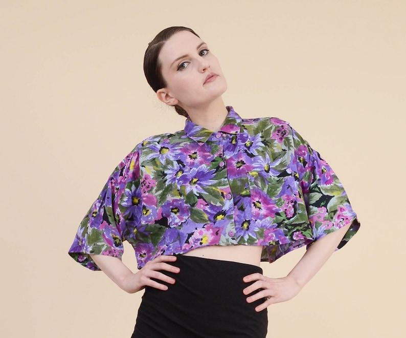 151e0355a1060 Vintage Floral Cropped Shirt Boho Grunge Oversized Crop Top