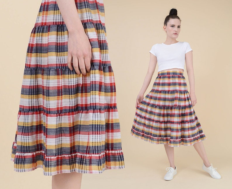 c4d8ebbcd411 70s Plaid Prairie Skirt size Small Full Ruffle Tiered