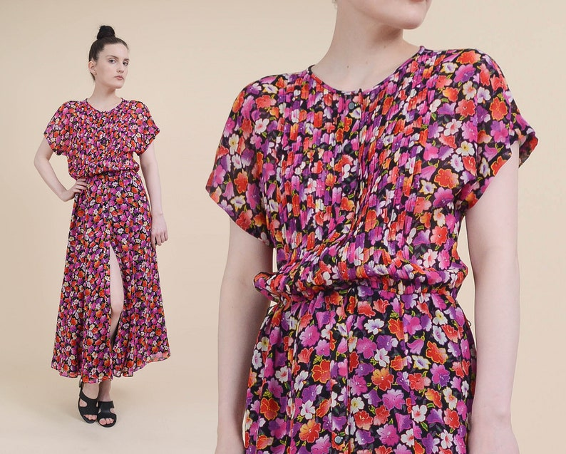 9e04f413cc5 Vintage 90s does 40s Floral Dress size Small Button Front