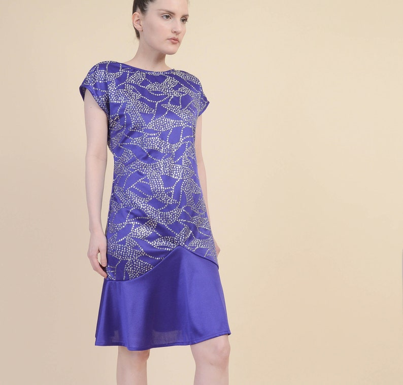 Vintage 80s Purple Party Dress Abstract Silver Glitter Print Cap Sleeve Dropped Waist Flounce Mini Dress size Small S