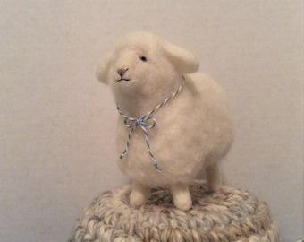 Fluffy White Lamb Needle Felt Wool Home Decoration