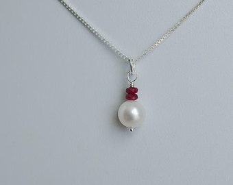 Natural Ruby and Pearl AAA Quality Cultured Freshwater Pearl Pendant Necklace Simple Pearl Necklace
