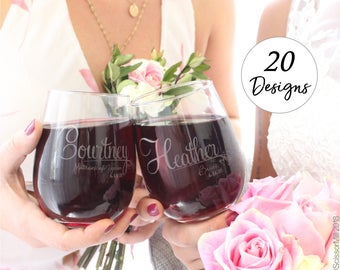 Set of 2 Wine Glasses, Personalized Wedding Favors, Bridesmaid Gifts set of 2, Unique Wedding Favors, Bridesmaid Favors, Bridal Party Favors