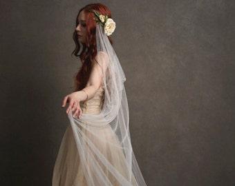 Woodland wedding head piece, ivory wedding veil, bridal circlet, flower hair wreath, art nouveau vine crown, hair accessories - Eloise