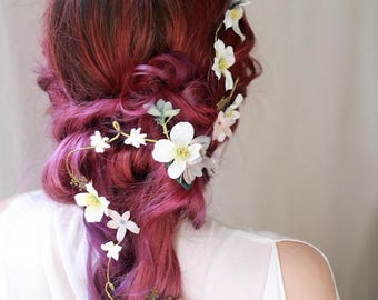 Dogwood hair vine, boho wedding headpiece, floral hair accessory, woodland hair piece, white flower bridal halo, rustic wedding headpiece
