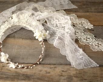 White lace veil, bridal veil, wedding flower headpiece, boho floral circlet, hair wreath, romantic wedding veil, bridal hair accessories