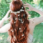 White wedding headpiece, wildflower hair wreath, hair vine crown, floral circlet, medieval crown, delicate bridal headpiece, whimsical bride