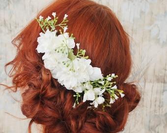 Wedding headpiece, white flower greenery comb, babys breath hair comb, flower hair comb, gypsophila hair accessory, bridal floral hair piece