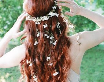 White wedding headpiece, wildflower hair wreath, hair vine crown, floral circlet, medieval crown, delicate bridal headpiece, whimsical bride