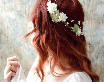 Rustic flower crown, ivory bridal crown, boho chic crown, floral crown, wedding hair accessories, woodland hair wreath, bridal circlet