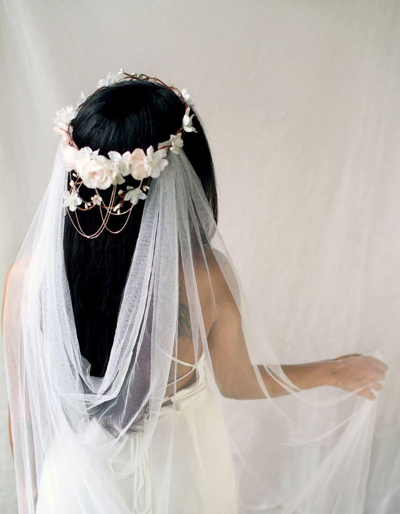 Bridal vine crown White flower crown Blush floral circlet image 0