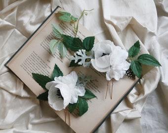 Imogen - white flower hair pins, floral hair vines, poppies, leafy hair clips, bridal hair pin set, bohemian hair accessories, whimsical