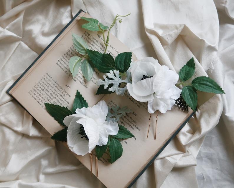 Imogen  white flower hair pins floral hair vines poppies image 0