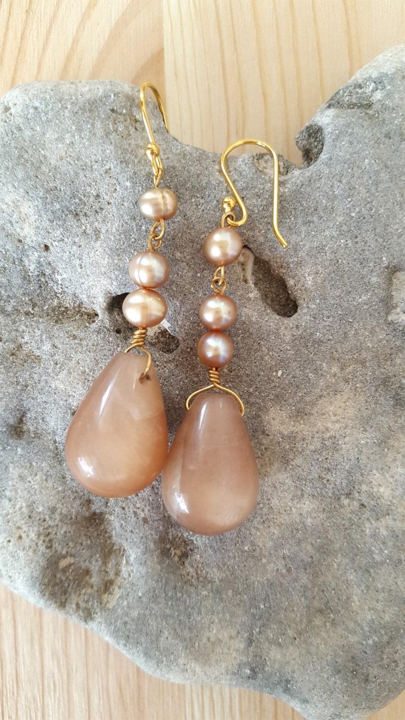 Moonstone 14k Gold Filled Dangling Drop Earrings.Moonstone Gold Earrings.Moonstone Danglers 14k Gold Filled Moonstone Earrings.Neutral Stone