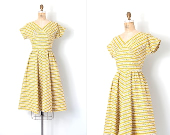 1950s dress | floral striped 50s dress | yellow cotton | small s