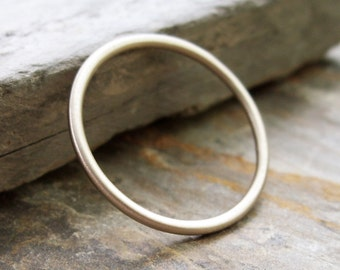 Simple Thin 14k White Gold Wedding Band in Choice of Finish - Smooth, Hammered, or Brushed / Matte / Satin Full Round Halo Ring
