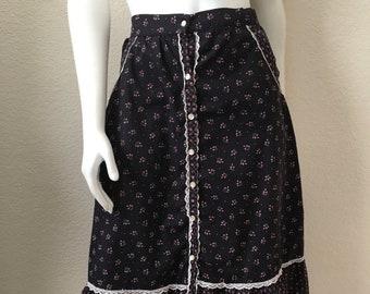 af0e106664ac2 Vintage Women's 70's Boho, Gunnies Skirt, Black, Pink, Floral, Knee Length  by Eber (L)
