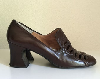 Vintage Shoes Women's 60's Mod, Brown, Heels, Leather, Pilgrim Pumps by Nordstrom Best (Size 7 1/2)